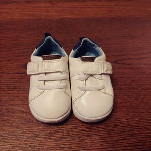 Carter's size 4 baby infant shoes